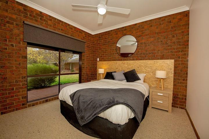 Airtree Golfers Resort Room 3