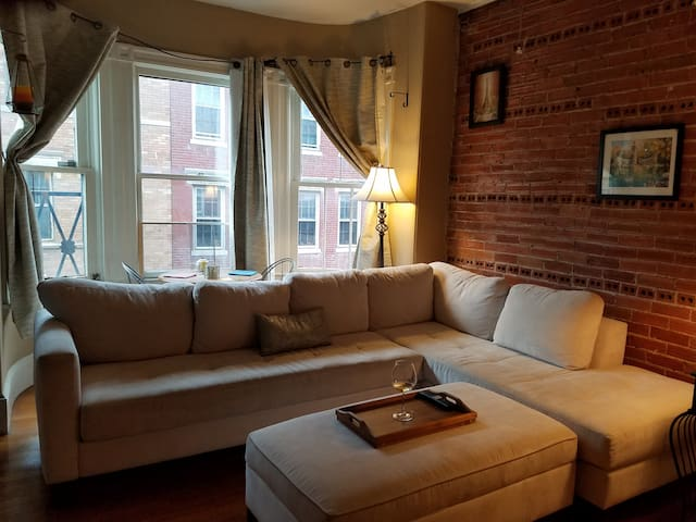 Charming Quiet Beacon Hill One Bedroom Apartments For