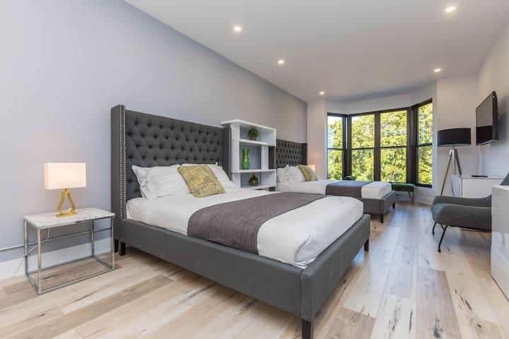 Alluring Lofts du Parc Lahaie Mile End - 301