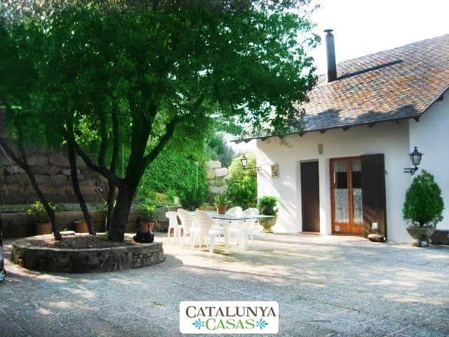 Villa Sallent 35km from Barcelona - Castellar del Vallès - House