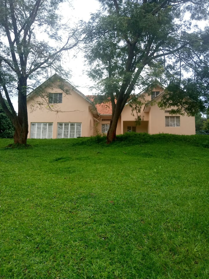 Beautiful,Serene & Quiet Country Home in Kibaale.