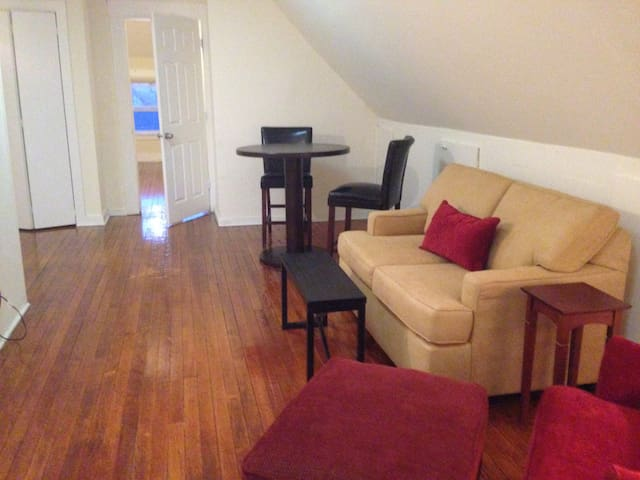 Entire 2BD APT In House$2250/MO.Incds.Fees!1hr-NYC