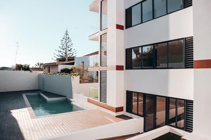 Luxury new-built, large terrace, authentic Alvor!