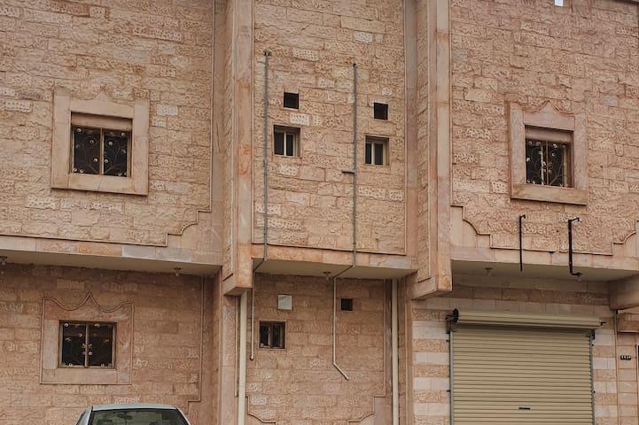 شقة علاء