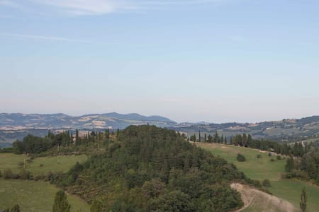 Penthouse just 1.9 kilometers from the center of - Urbino - Apartament