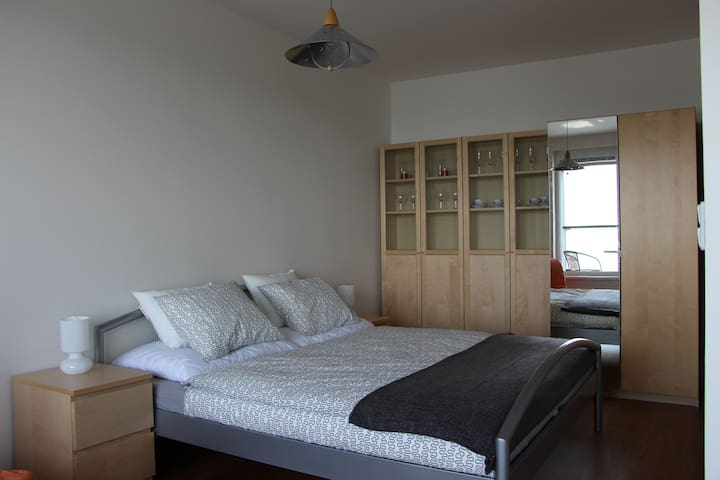 NEW APARTMENT, near to airport and metro station - Praha