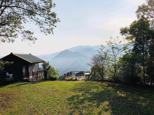 五峰 雲霧繚繞 露營營地 Wufeng camping site with hot shower