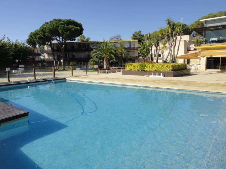 Modern apartments with pool. Ref. Comtat Sant Jordi-46 STD