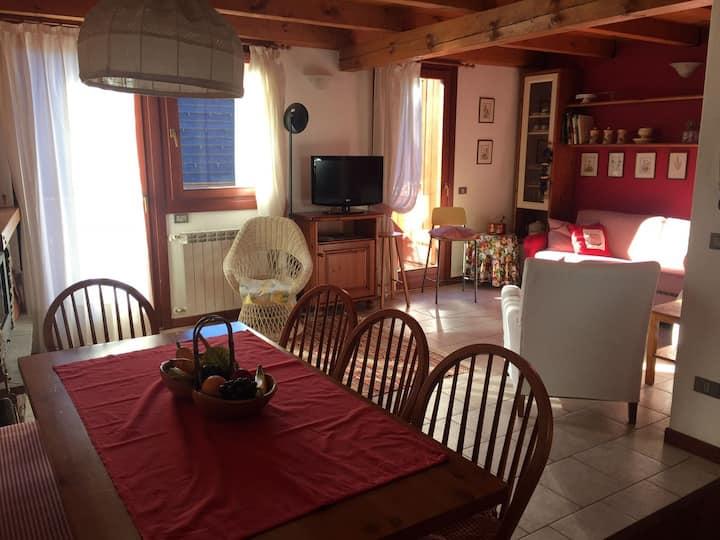 Deliziosa casa su due piani - da Marinella