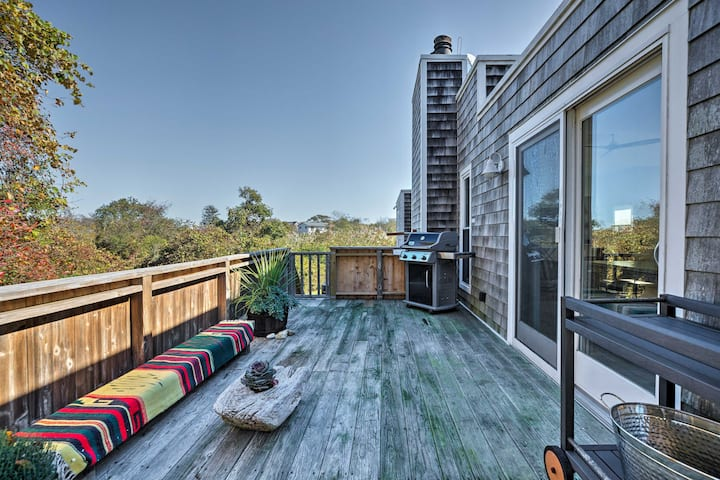 Montauk Villa w/ Seasonal Hot Tub: Mins to Beach
