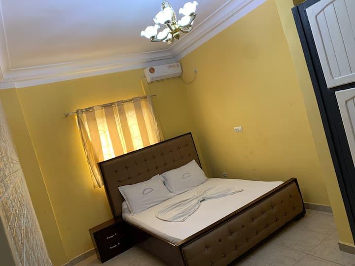 Élu hôtel Appart bonamousadi et Logpom Douala Cameroun