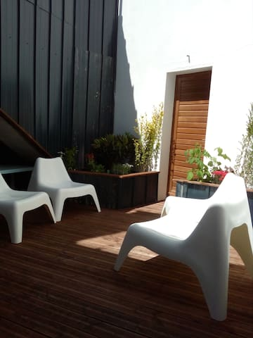 T2 avec belle terrasse privative (1étage) - Saintes - Apartamento