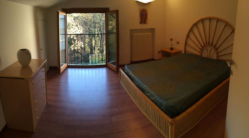 Amazing room in lovely house - Montemerlo - Huis