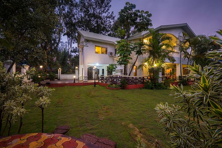 Eco villa 4bhk with huge lawn near Mapro