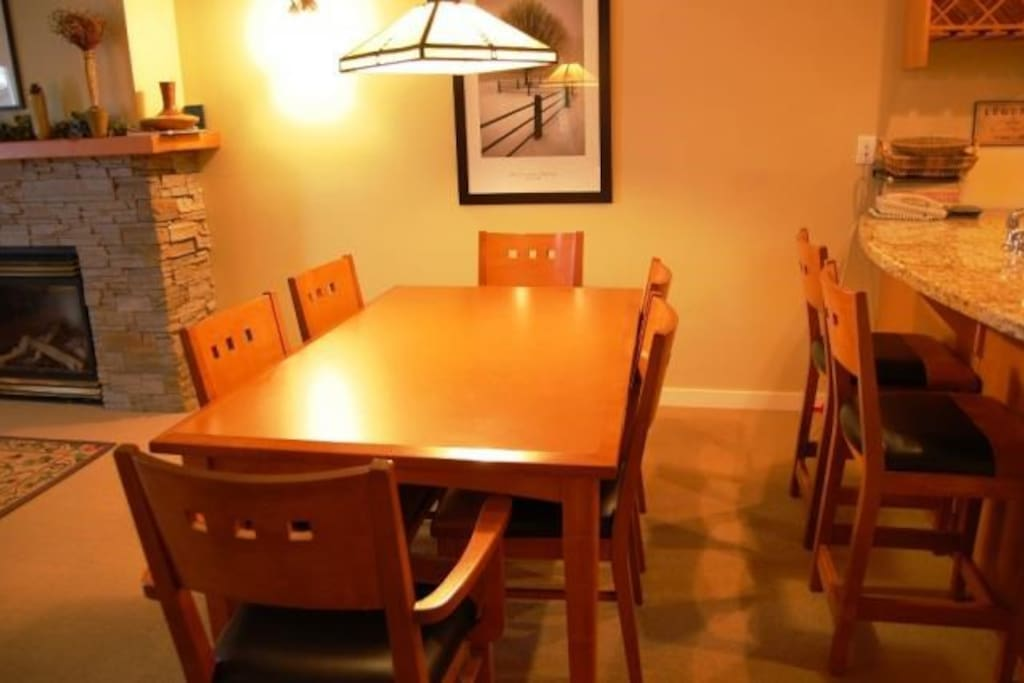 The dining area features seating for 6