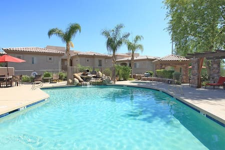 Four Peaks: The ideal vacation spot for all - Fountain Hills - Apartmen