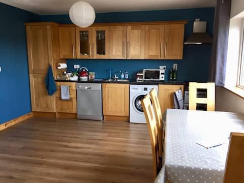 Ballasallagh BnB - 3 Bedroom House, Mountain Views