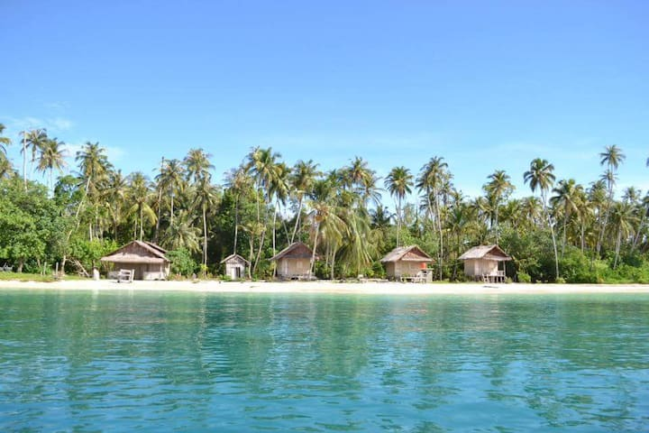 The Coral Bungallow Sikandang