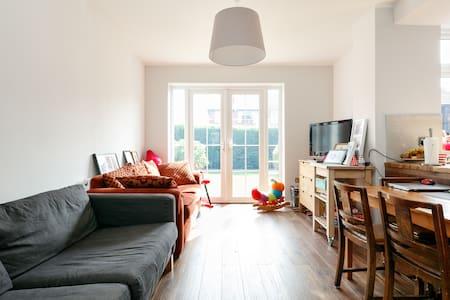 A single room in Stretford - House