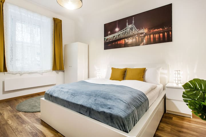 Quiet and Cozy Apartment near the Danube