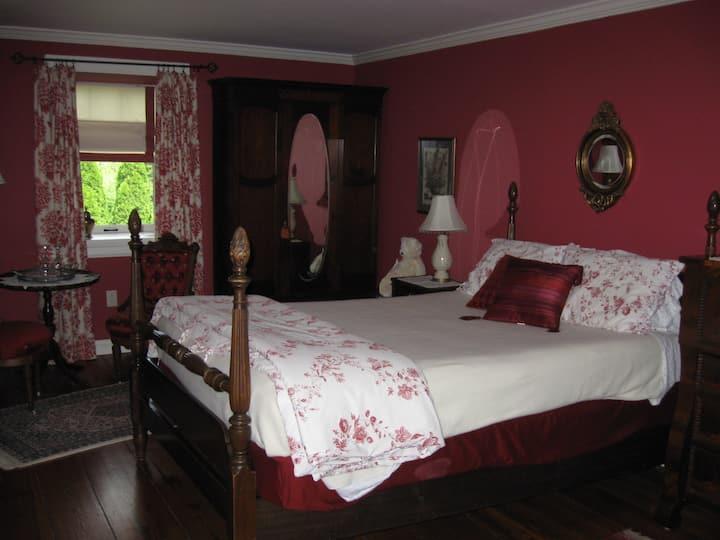 The Manor @ Knob Hall Winery - Red Room
