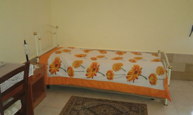 Single room in Santa Rosa. - Lecce - Apartment