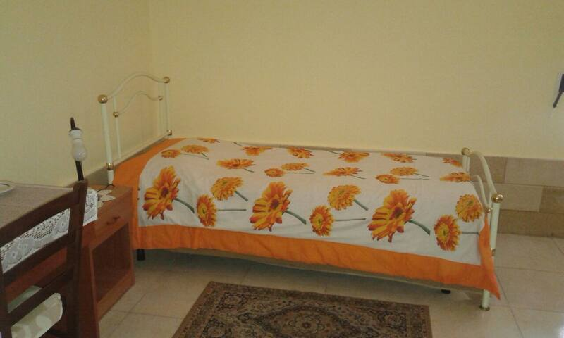 Single room in Santa Rosa. - Lecce - Wohnung