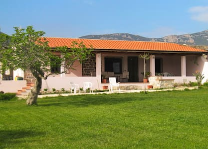 Countryside villa in Sardinia - Triei