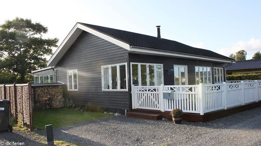 New Cottage 100 m. beach and close to Legoland
