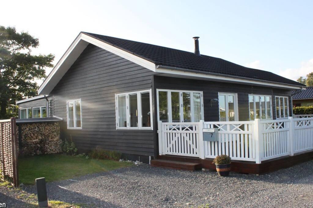 100 m2 neues haus 100 meter vom strand entfernt h uschen. Black Bedroom Furniture Sets. Home Design Ideas