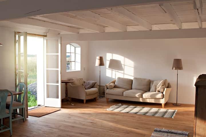 Beautiful flat in an old farmhouse in Österlen