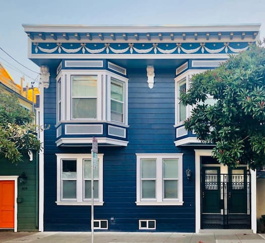 Victorian Flat in Mission District (Monthly)