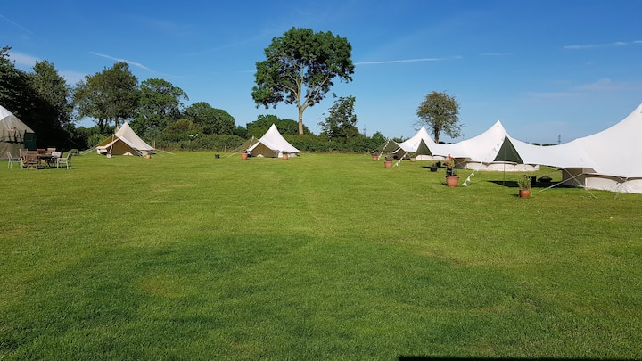 Family Bell Tent in picturesque field - Kimmeridge