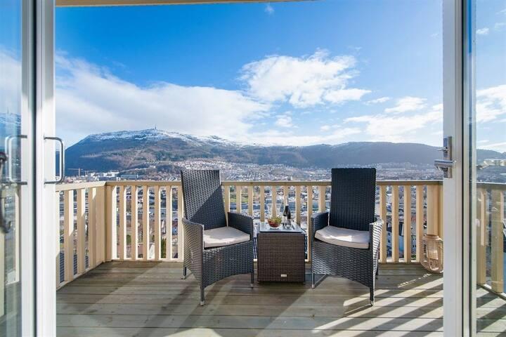 Strøken leilighet i Bergen med utsikt
