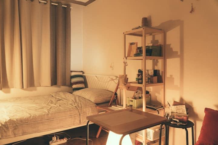 [Near Hongdae] Clean, modern, Cozy bedroom