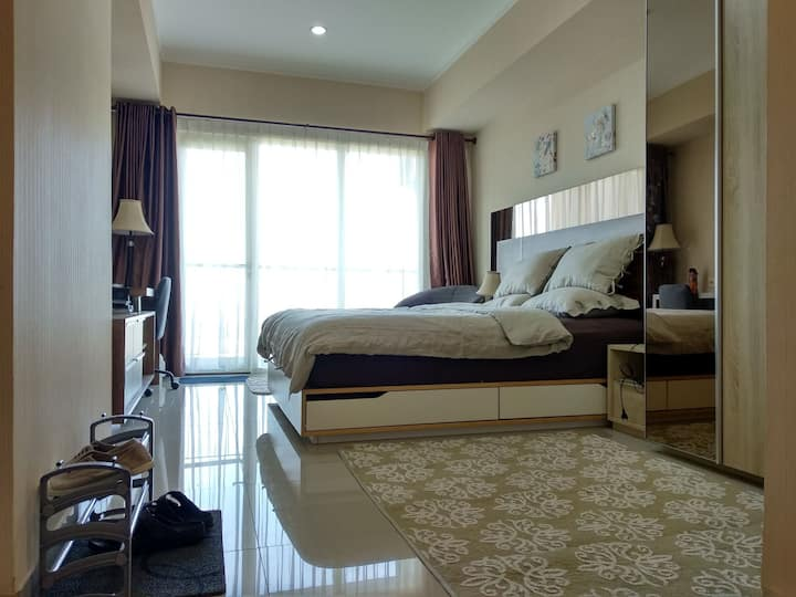 Cozy Apartment Suite - The OASIS Apartmen Cikarang