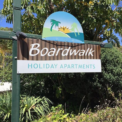 Boardwalk Apartment 5 with Views - Merimbula - Appartement