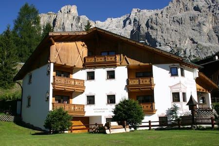 Residence Garden - Imperial Deluxe Apartment - Selva di Val Gardena