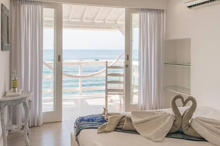 °5 Relaxing beachfront room in Bingin