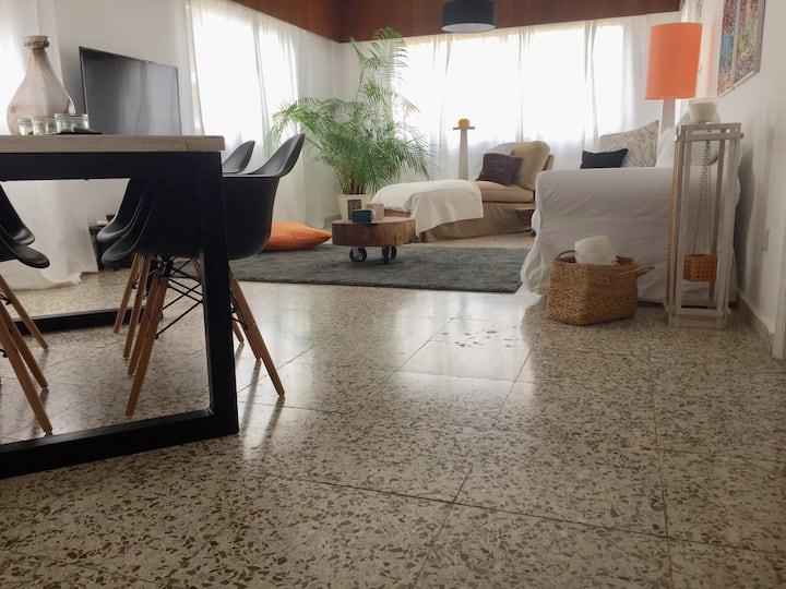 Nikolas apartment.