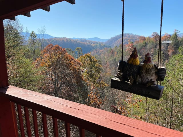 *NEW LISTING SPECIAL Cozy 3BR Cabin w/Scenic Views