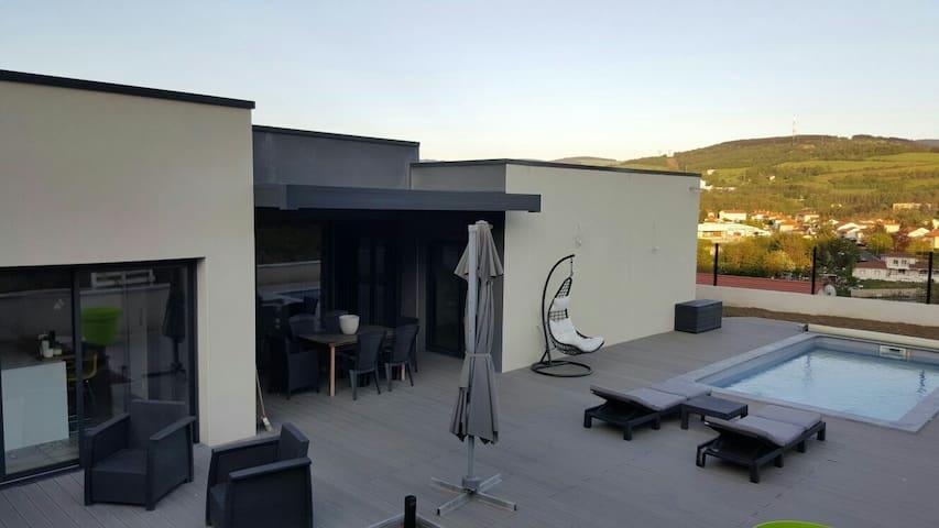 Villa avec piscine euro 2016 - Saint etienne - House