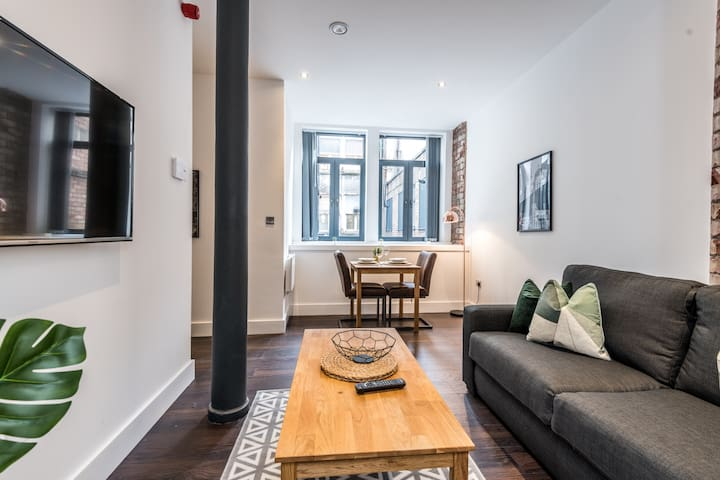 Beautiful Cavern Quarter Apt - Newly Renovated