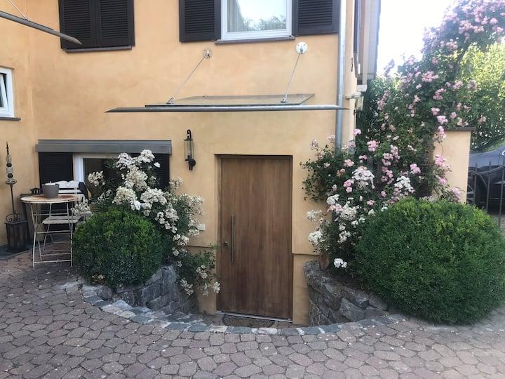 Kleine 1 Zimmer Wohnung mit separatem Eingang