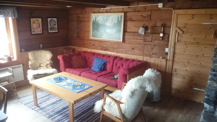 Hjemmekoselig 4-roms mellom fjord og fjell