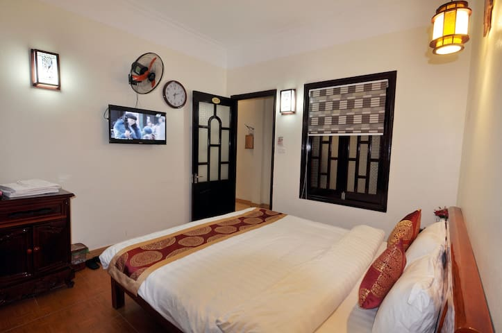 Cheap Double Bed at Sapa New Day Hotel - tt. Sa Pa - Hostel
