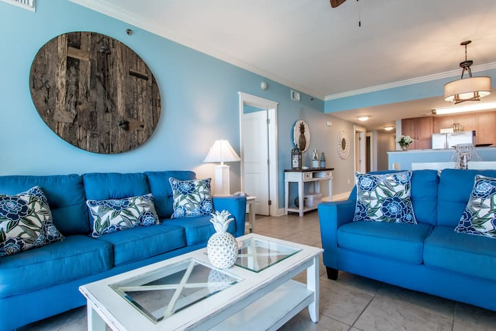 It's Time To Relax in Island Standard Time! Corner Courtyard Condo