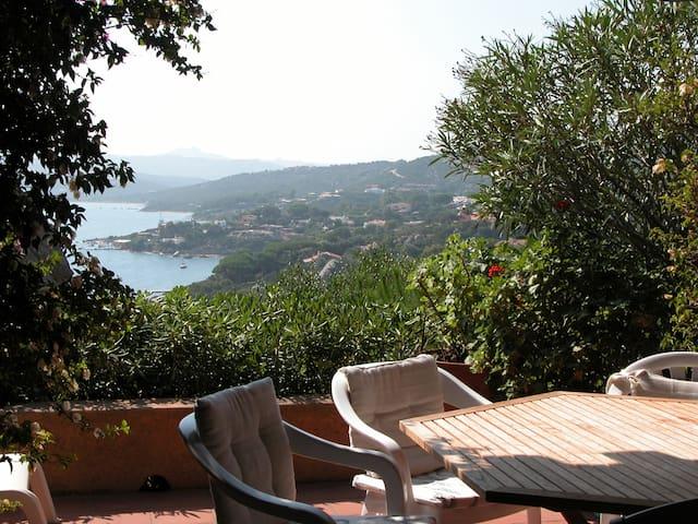 Charming sea-view maisonette n°2 - Punta Sardegna - Bungalow