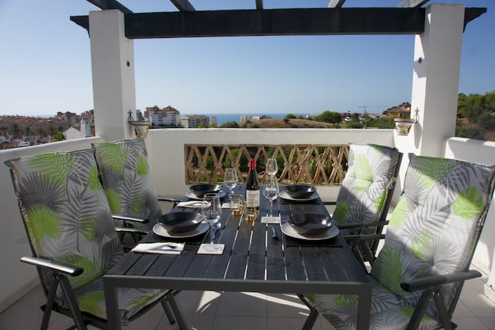 Sea view penthouse 93 sqm with terrace - pool open
