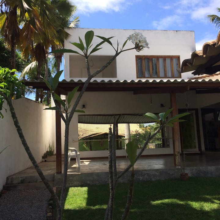 Espaço Marina 🌷Suítes PIPA / Centro com garagem